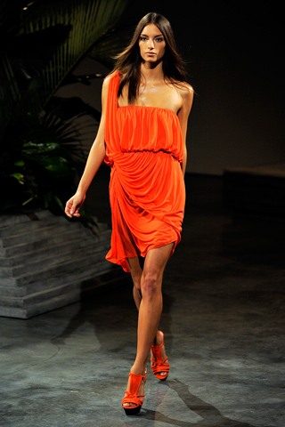Halston Spring 2011 Ready-to-Wear