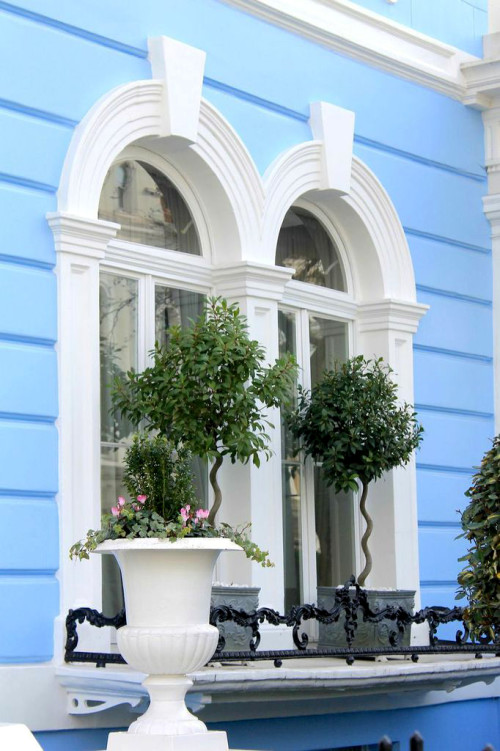 notting hill london townhouse exteriors blue window