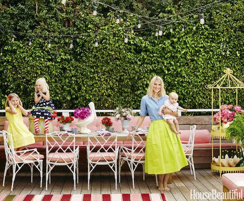 11-hbx-outdoor-pink-banquette-0515