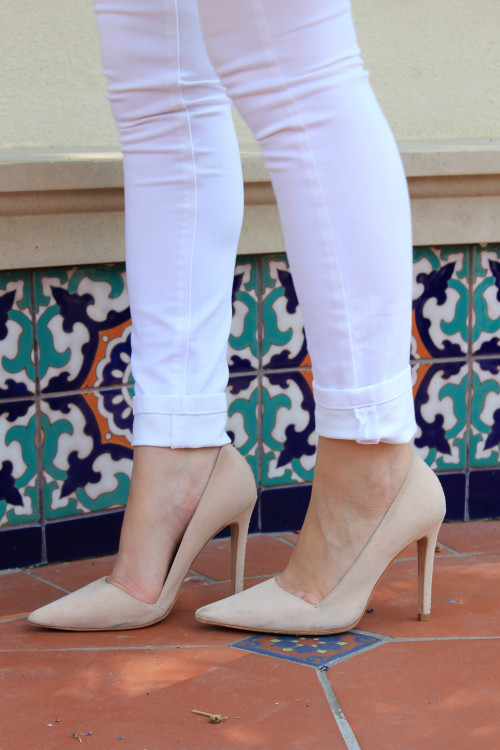 alice olivia dina nude pointed toe heels