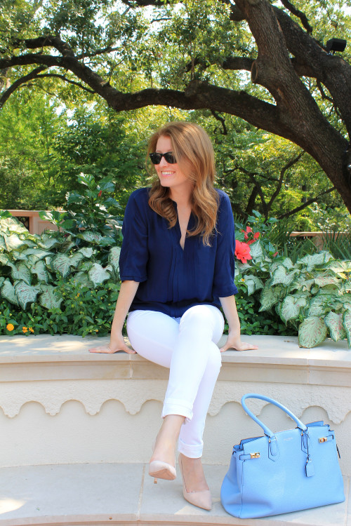 how to wear white jeans for fall
