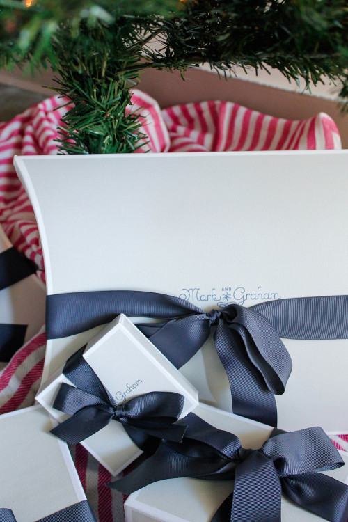 mark & graham gift wrapping