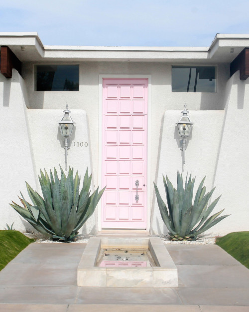 palm springs that pink door