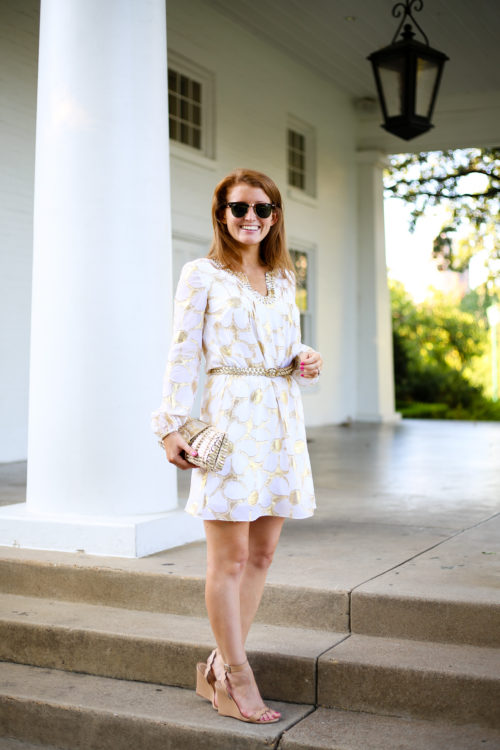 design-darling-wears-the-lilly-colby-sleeved-tunic-dress