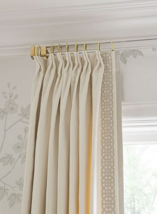 lucite-curtain-rods-and-curtain-trim