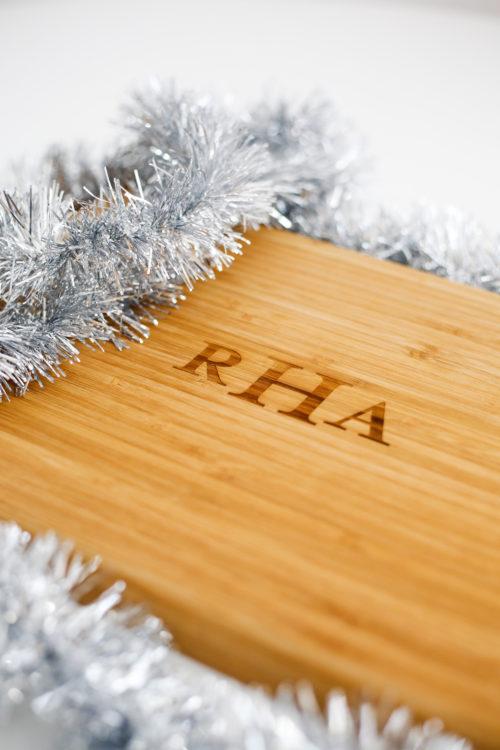 shutterfly-monogrammed-cutting-board