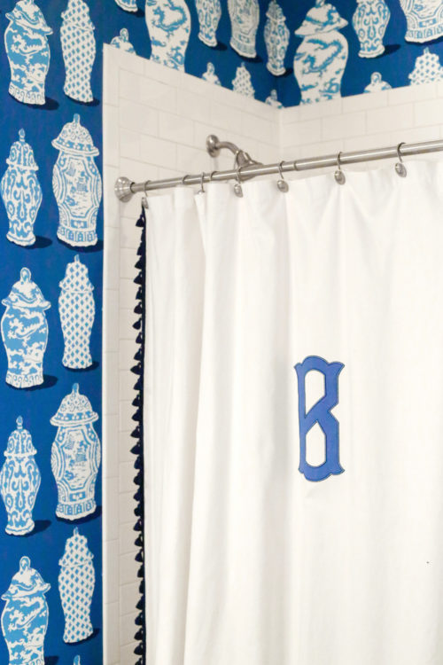 design-darling-dallas-home-tour-monogrammed-shower-curtain-dana-gibson-ginger-jar-wallpaper