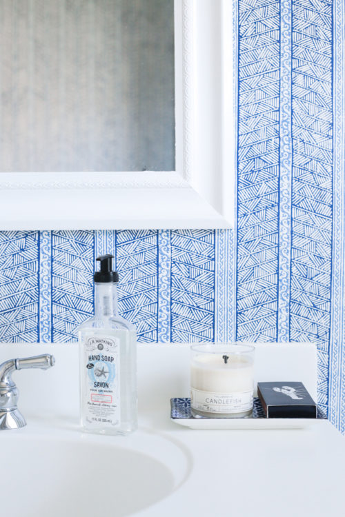 peter fasano jaya wallpaper in blue and white