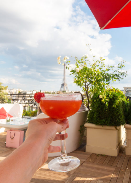 drinks with view of eiffel tower at hotel raphael